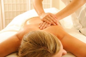 Massage Therapy vs. Other Alternative Treatments for Neck and Shoulder Pain